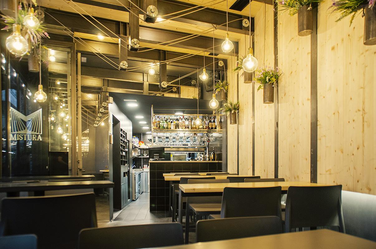 Saestudio estudio de arquitectura restaurante mistura - Estudios de arquitectura coruna ...